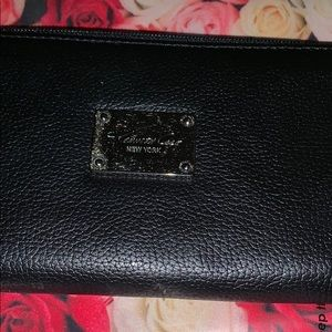Kenneth Cole Bags - NWOT wallet by Kenneth Cole